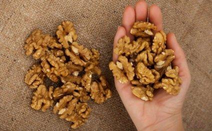 Рецепты с грецким орехом. Грецкие орехи с медом, черносливом